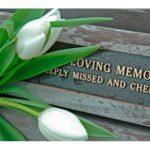 アメリカ人の葬式マナーは歌って祝う?服装自由で明るい雰囲気なのはなぜか。
